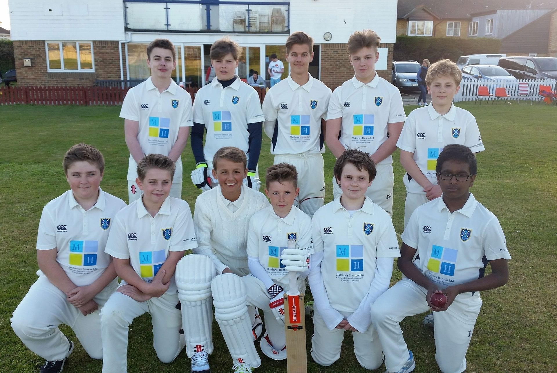Cricket team sponsored by Matthews Hanton